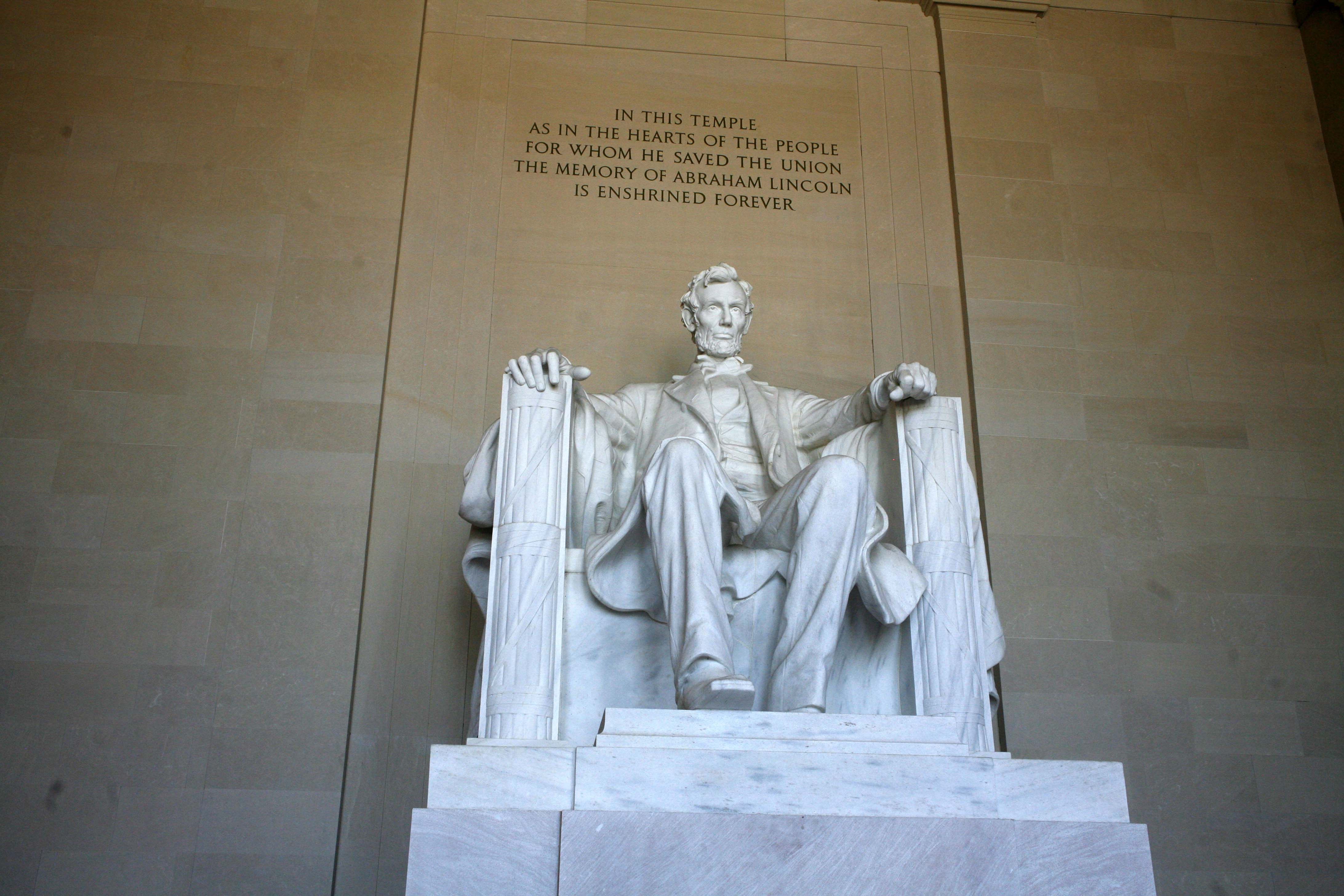 Lincoln the Enshirned Statue